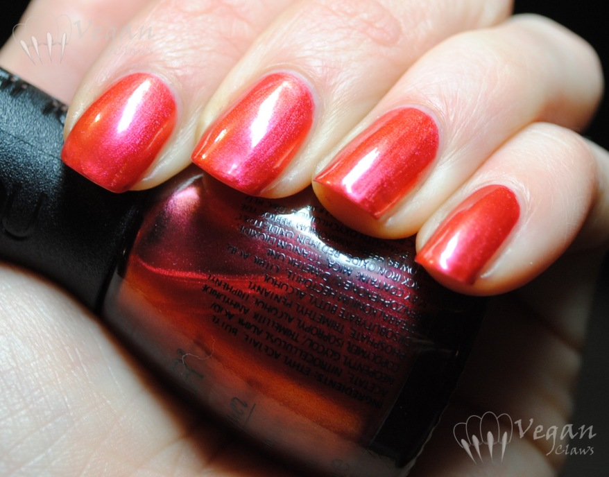 Nubar Pink Flame, artificial light