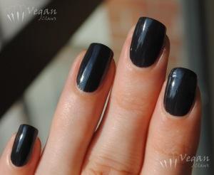 Cult Nails Blackout