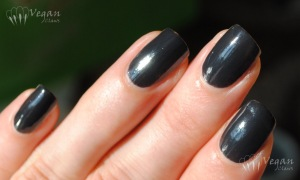 Cult Nails Blackout