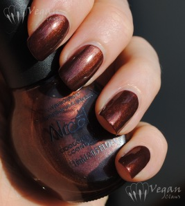 Nicole by OPI Love Me, Love the Earth