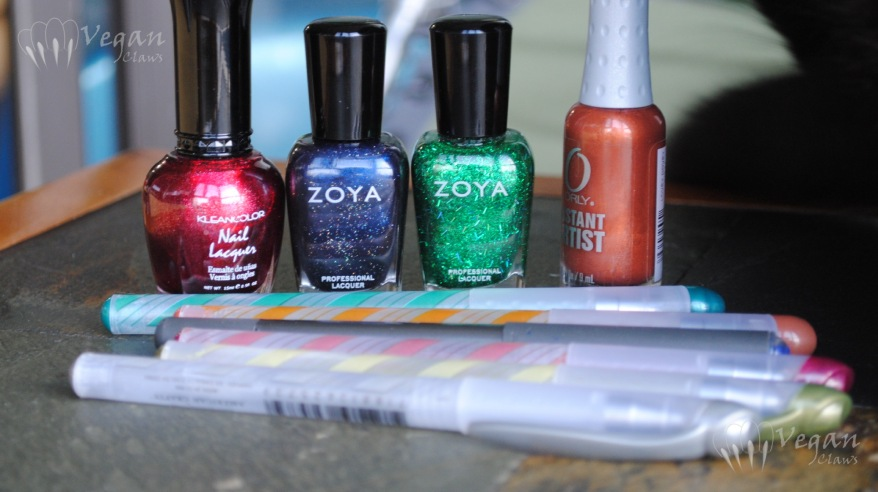 Items used for Saturnalia and Hanukkah decorations mani