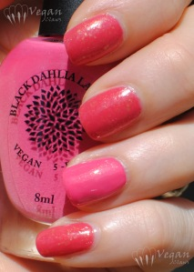 blackdahlialacquer_bloomingsunflowers_strawberryfields2