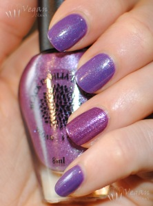 blackdahlialacquer_stripedpeonies_90innovember_flash
