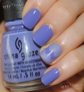 chinaglaze_whatapansy_picturepolish_eerie_flash2