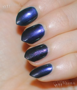opi_glacierbayblues_bbcouture_pipebender_stamping2